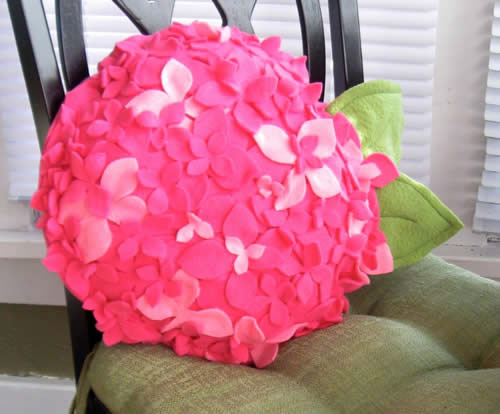 Gối handmade vải nỉ hình hoa tú cầu