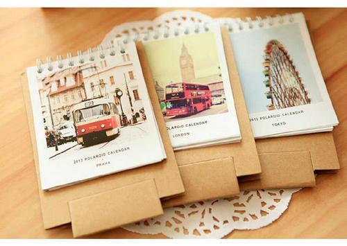 Lịch handmade để bàn từ giấy bìa và tranh ảnh vintage