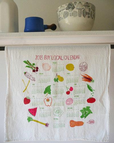 Vẽ trên vải bằng màu acrylic để trang trí cho bộ lịch handmade