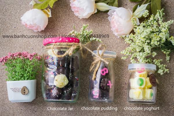 Chocolate jar, pudding, yoghurt