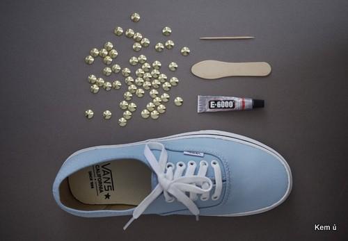 Đinh tán, keo 502, keo nến và các nguyên liệu làm giày nạm đinh