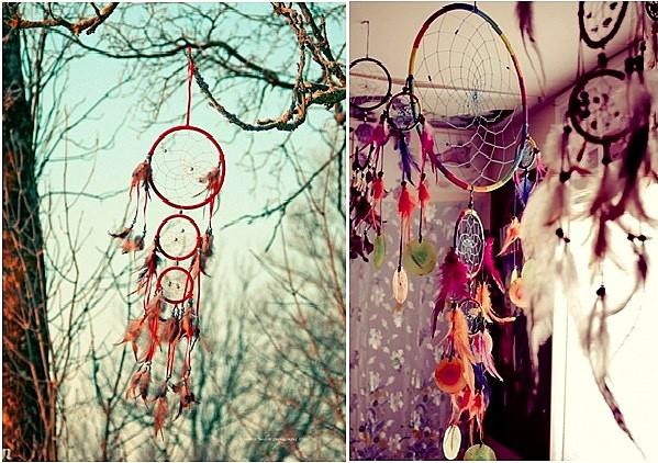 Những chiếc dreamcatcher lãng mạn và rực rỡ với màu sắc của chỉ, hạt cườm và lông vũ, dây cói.
