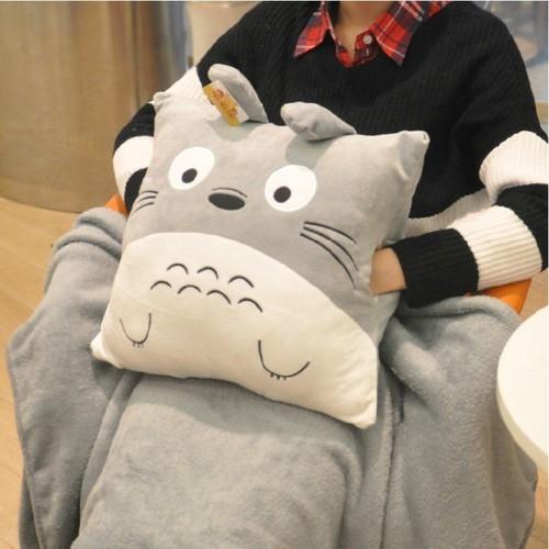 Gối ôm handmade Totoro có túi 2 bên