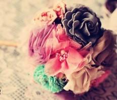 Bó hoa xinh đẹp với hoa vải dạ, vải vintage