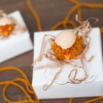 """Trang trí hộp quà tặng sinh nhật độc đáo nơ """"gà bông"""""""