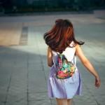 Balo rút dây – phụ kiện sành điệu cùng bạn dạo phố ngày hè