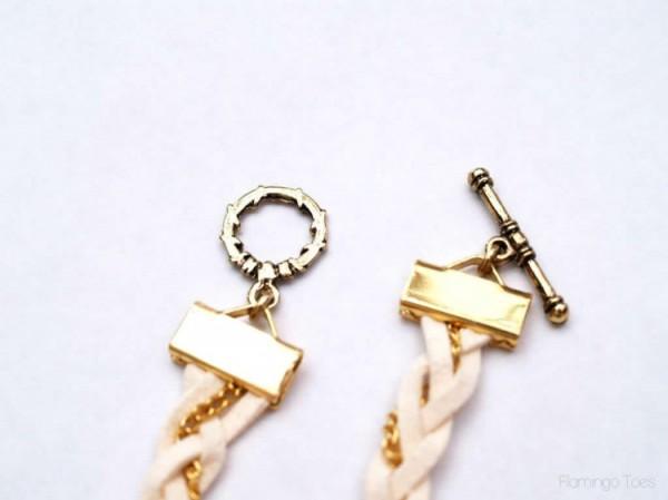 Hoàn thiện chiếc vòng tay handmade với bộ móc và khóa