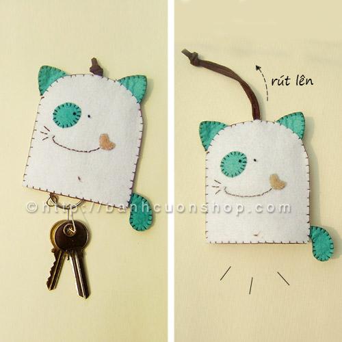 BK03 Bao khóa mèo béo kute. Bạn nào có tình yêu đặc biệt với các em mèo thì mau mau sắm bao khóa này thôi! Chú mèo cách điệu siêu đáng yêu sẽ luôn ở bên bạn mọi lúc mọi nơi nha!