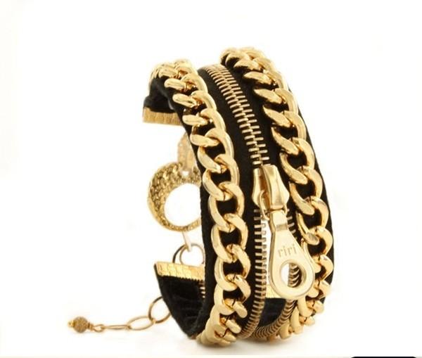 Vòng tay sáng tạo với dây khóa kéo.