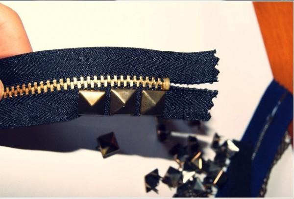 Trang trí dây đeo bằng đinh tán