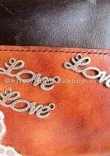 Chữ Love uốn lượn